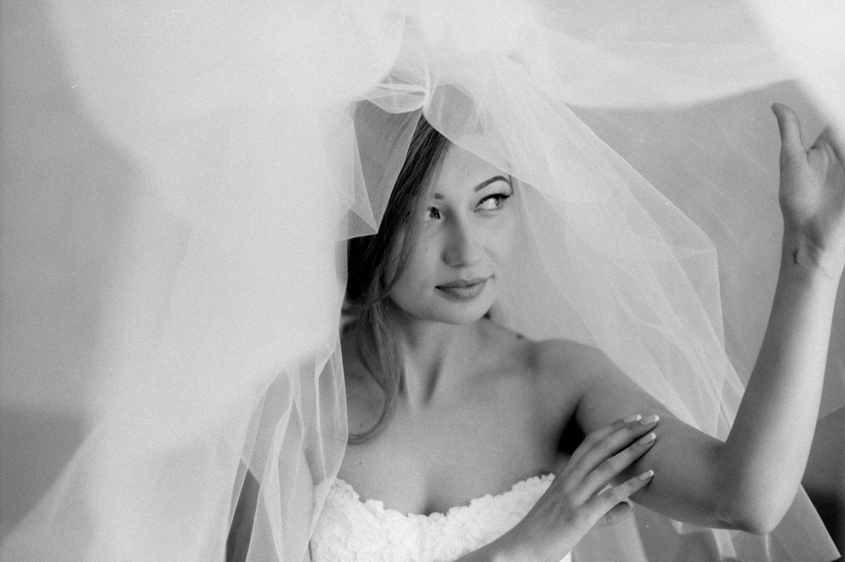 Сватба в черно-бяло, сватбен фотограф