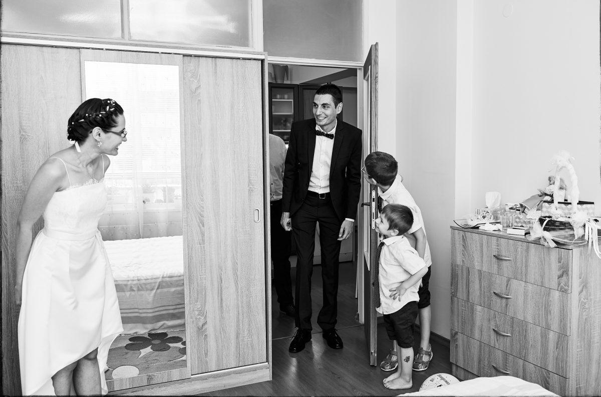 детската усмивка в сватбените снимки